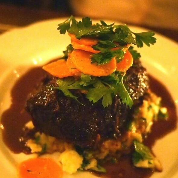 Braised Beef Top Blade - Taverne Square Dominion, Montréal, QC