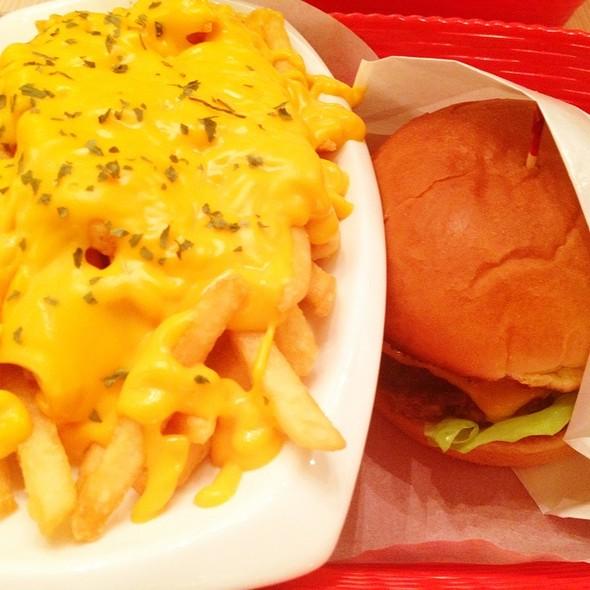 Bacon Cheeseburger @ Omasake Burger
