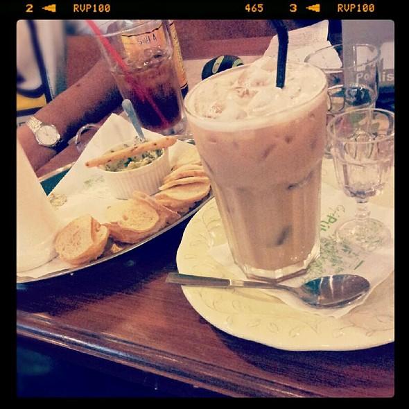 Cafe Latte @ Café Publico