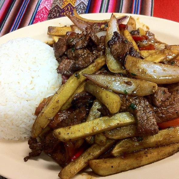 lomo saltado @ Mucho Gusto Peruvian Cuisine