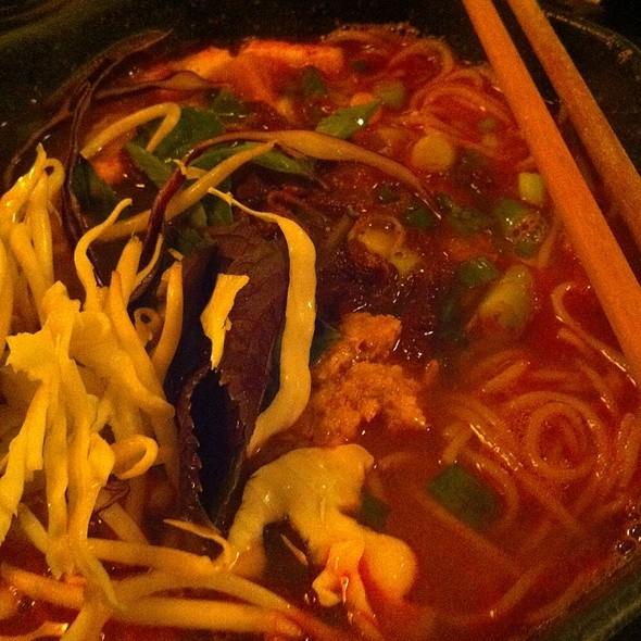 Bun Rieu @ Green Leaf Restaurant Vietnamese