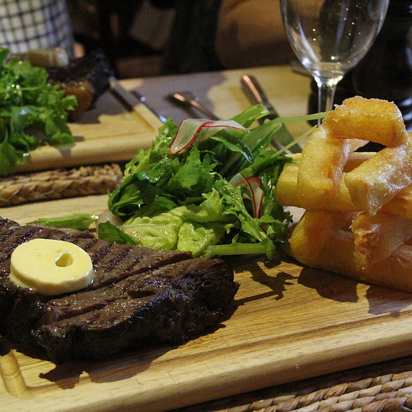 Steak with Triple Cooked Chips @ The Kingham Plough