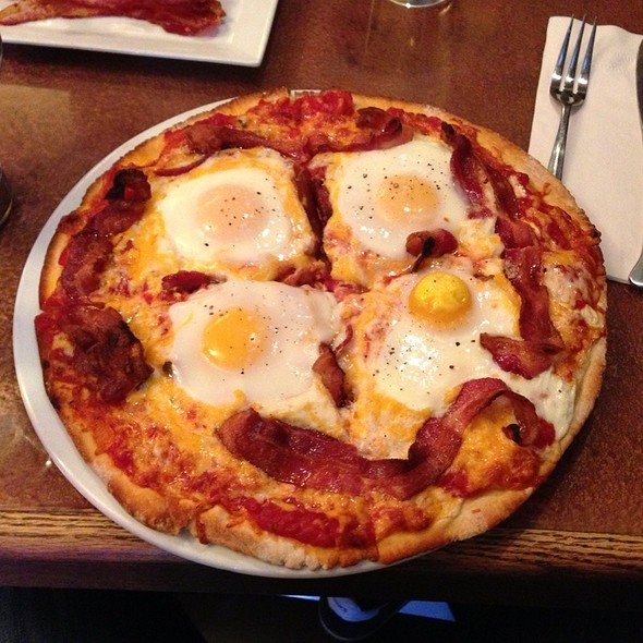Breakfast Pizza @ saute