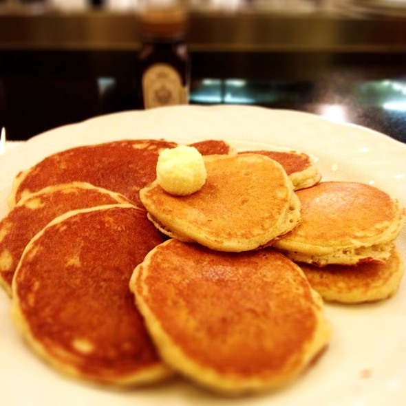 pancakes - Bar Nineteen 12 @ The Beverly Hills Hotel, Beverly Hills, CA