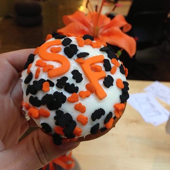 Pumpkin Cupcake @ Cako Bakery