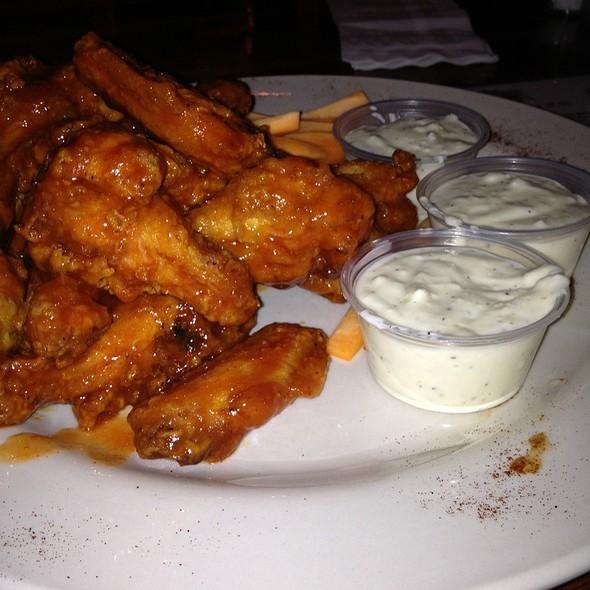 Buffalo Wings @ Fido's Restaurant & Bar