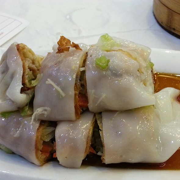 Vegetable Spring Roll Rice Noodles