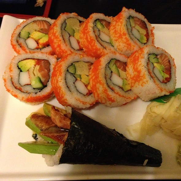 California Roll, Unagi Handroll @ Tabibito Japan Restaurant