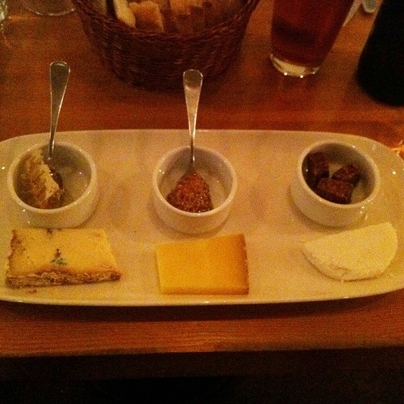 Cheese Tasting Plate