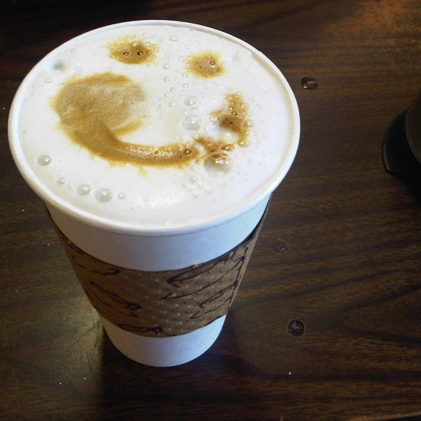 Cafe au lait @ Cafe Milano