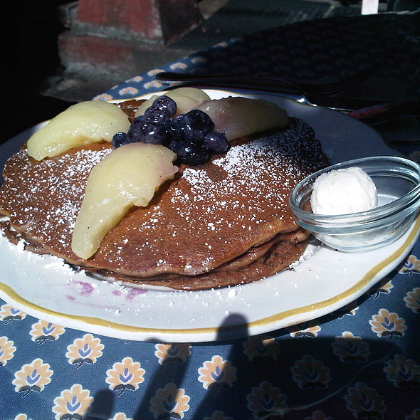 Lemon Gingerbread Pancakes with Poached Pears and Blueberries @ La Note