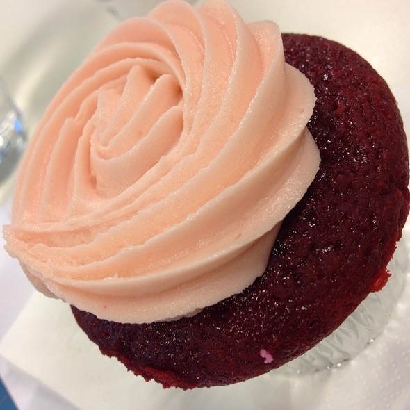 Red Velvet Cupcake @ Agsm Restaurant Unsw