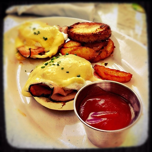 Eggs Benedict @ Morgans Restaurant