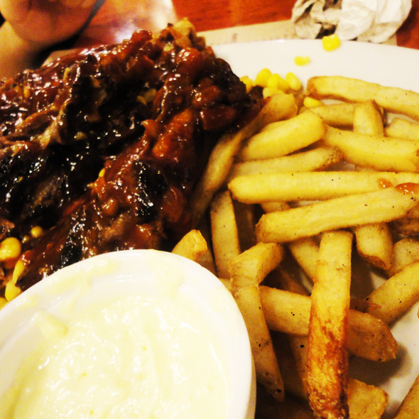 Platter of Ribs @ Xtremely Xpresso Cafe