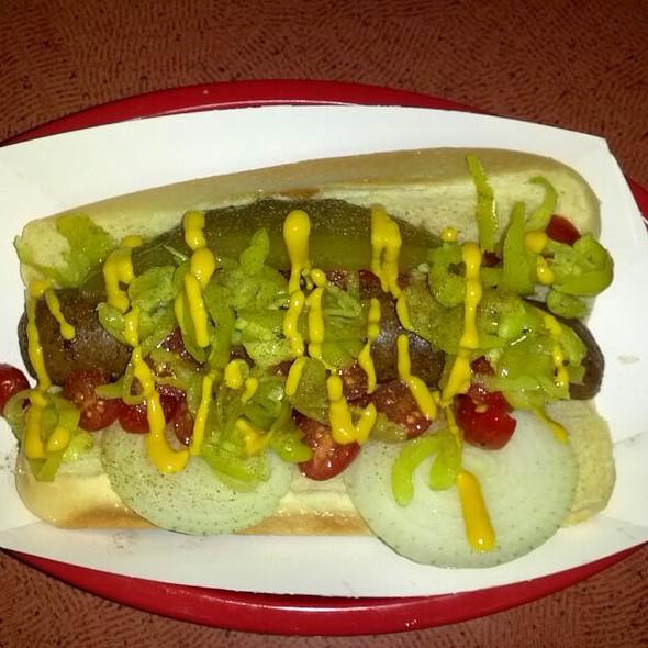 Vegan Chicago Dog @ Cyber-Dogs