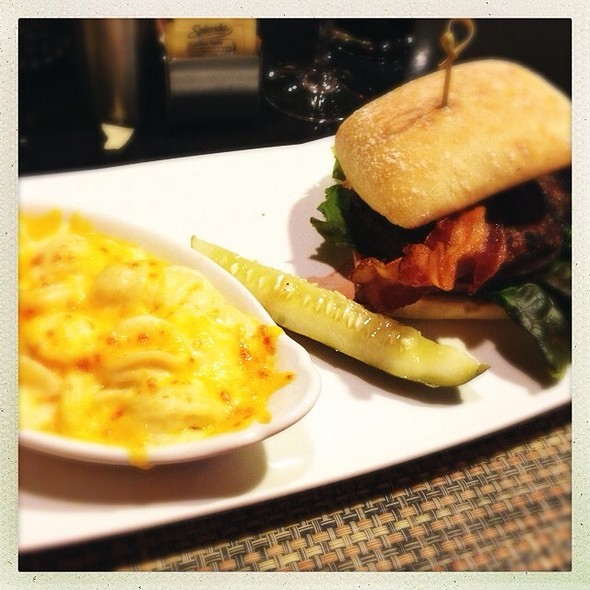 Marriott Angus Burger With Mascrpone Mac-N-Cheese @ Washington Marriott at Metro Center