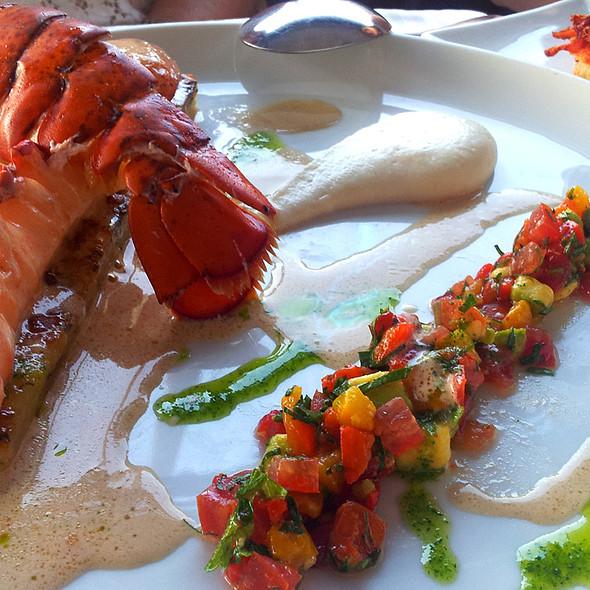 Vacume lobster @ מול ים - mul yam