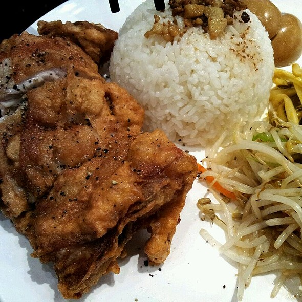 Pepper Chicken Drumstick With Rice @ Pearl House Restaurant