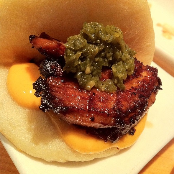 Steamed Buns with Pork Belly @ Pai Men Miyake