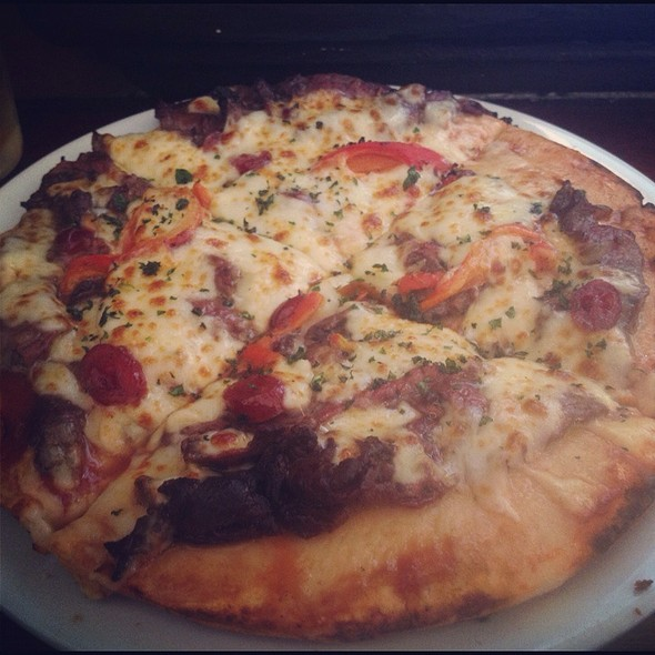 Pepper Kangaroo Pizza @ Australian Heritage Hotel Bed & Breakfast