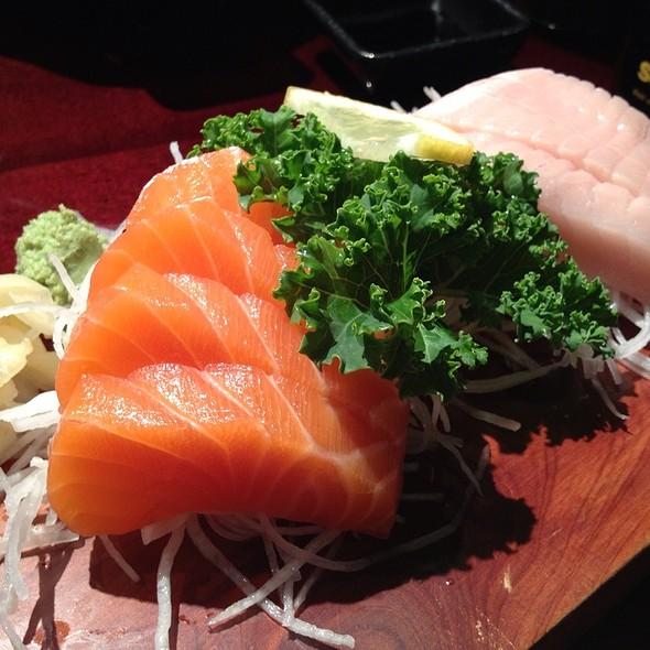 Salmon & Toro Sashimi @ SushiHolic