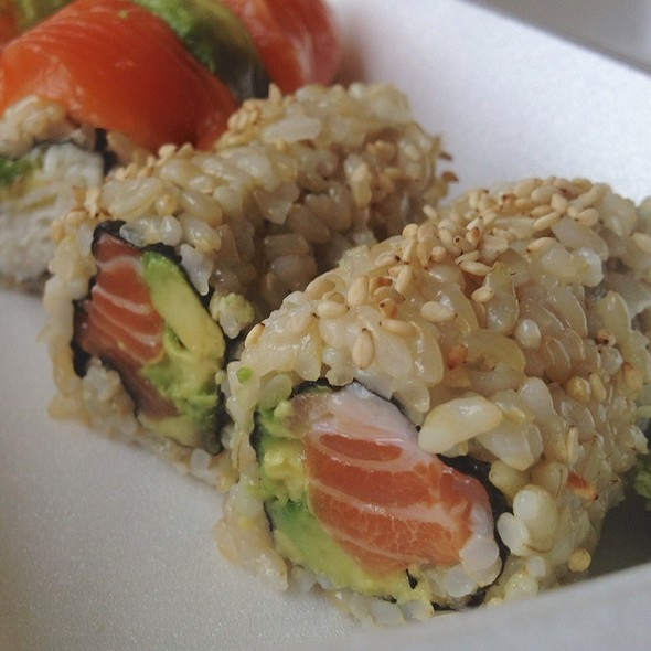 Salmon & Avocado Roll With Brown Rice @ Togo Sushi