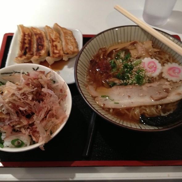 Mini Ramen Set (Gyoza & Chanko Bowl)
