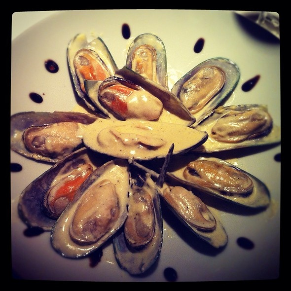 Mussels In Vanilla Souce @ Entree / Антре