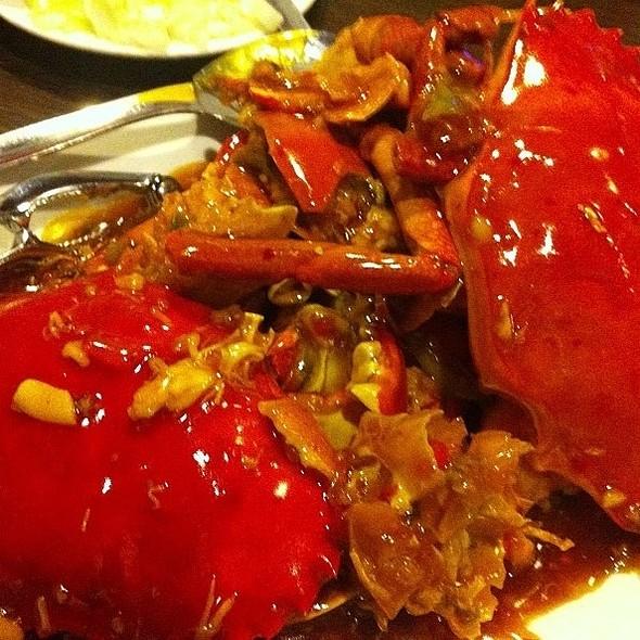 Steamed Crabs, Buttered Prawns, Baked Scallops @ Secret Oven Cakeshop & Resto