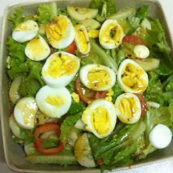 Green Salad With Eggs @ Home