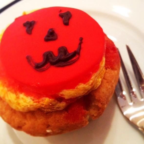 Halloween Pumpkin Cupcake @ Da Paolo Gastronomia @ Cluny Court