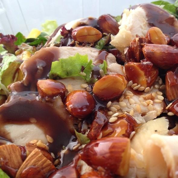 Santo Domingo Salad @ Capital Bagels
