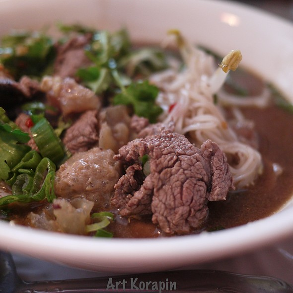 Thai Boat Noodle (with Beef and Rice Noodle)