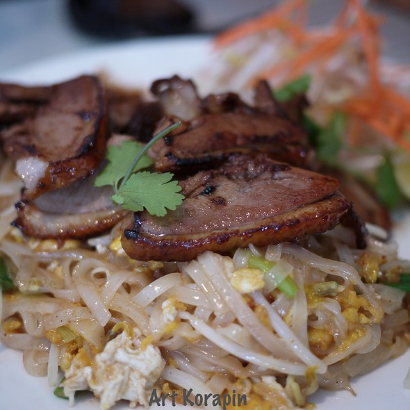 Pad Thai With Duck