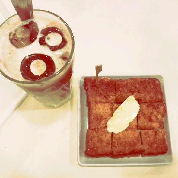French Toast With Iced Chocolate at Toast Box