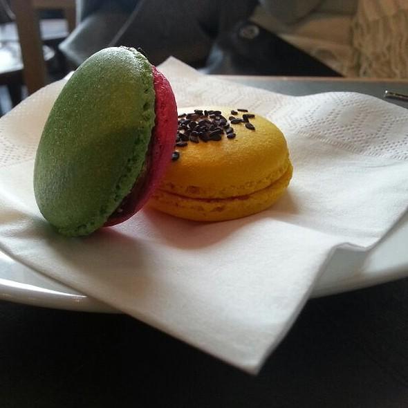 Macarons @ La PRALINE