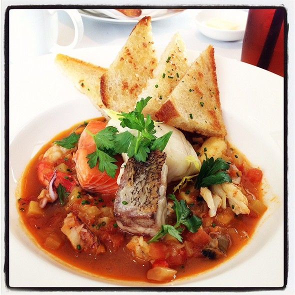 Cioppino @ Vitrine At St Regis