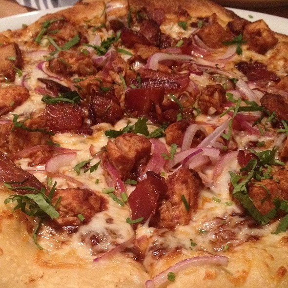 BBQ Chicken Pizza (The Original) @ California Pizza Kitchen