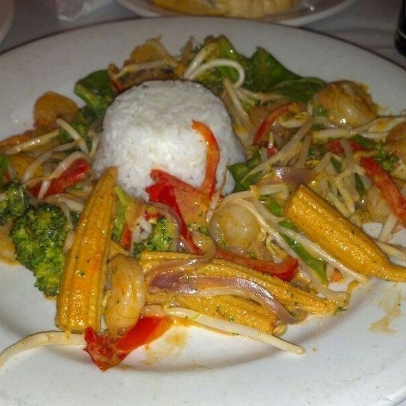 Oriental Stir Fry with Shrimp  - Ritz Grill, Colorado Springs, CO