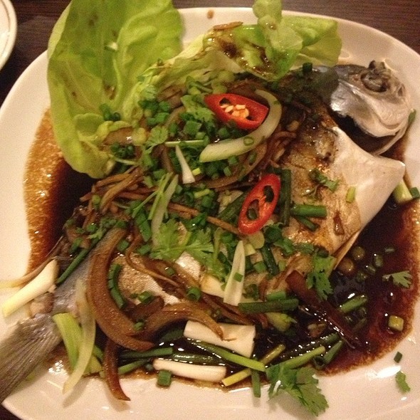 Steamed Pomfret With Ginger & Spring Onions @ AsiaWay