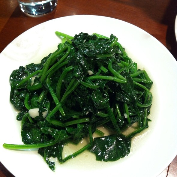 spinach with garlic @ Din Tai Fung
