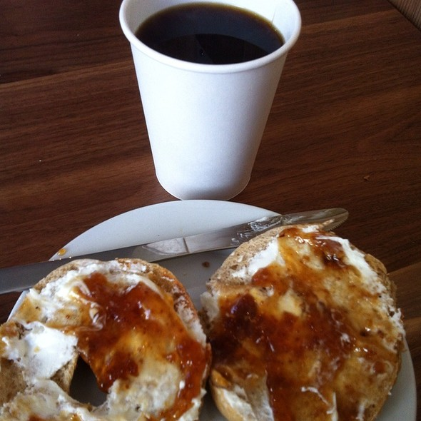 Everything Bagel With Apple Tree Goat Spread And Fig Jam @ Ultimo Coffee