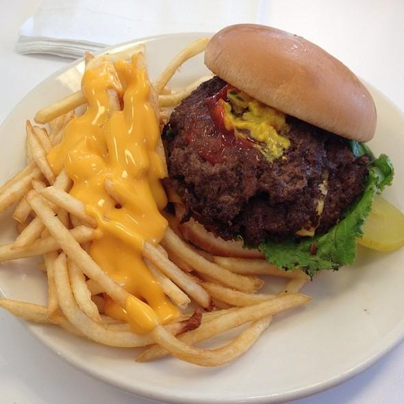 Triple Cheeseburger & Cheese Fries