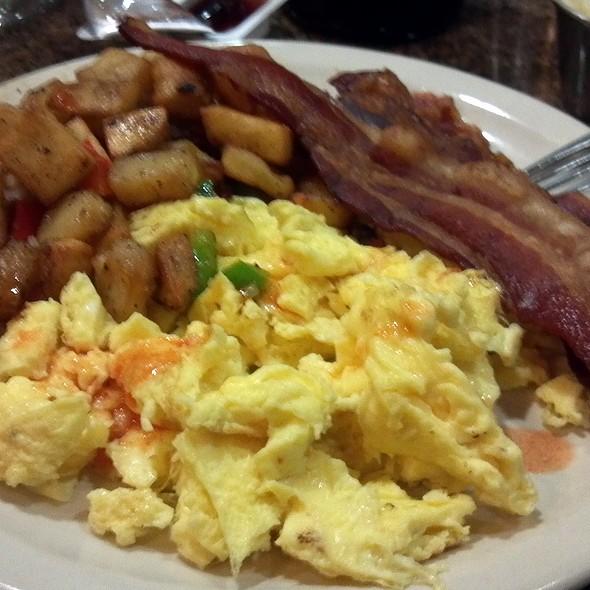 Budget Breakfast @ Pecan Tree Restaurant