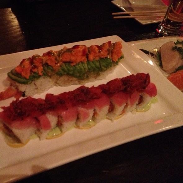 Sushi @ raw japanese restaurant & lounge