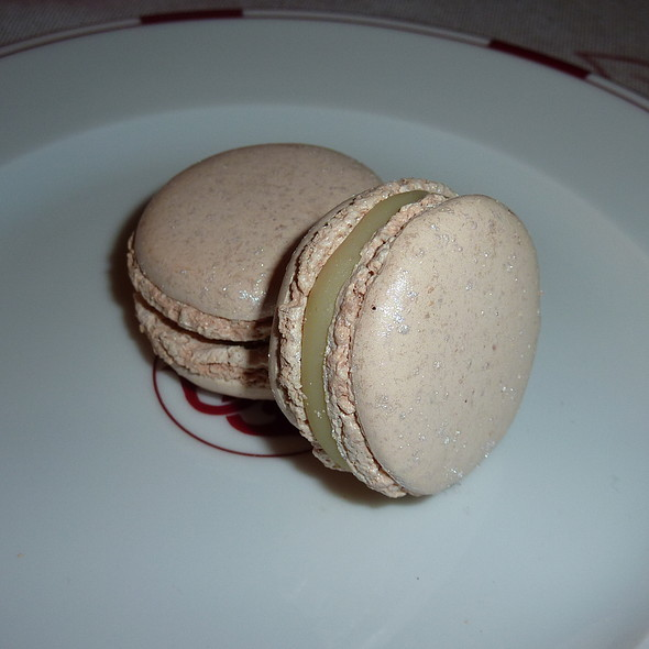 Macaron white truffle and hazelnuts @ Pierre Hermé