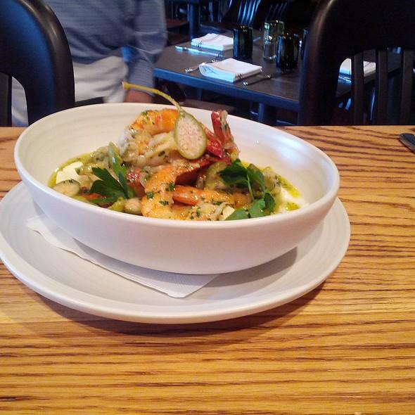 Grilled Carolina Shrimp @ Wolfgang Puck Pizza   Bar
