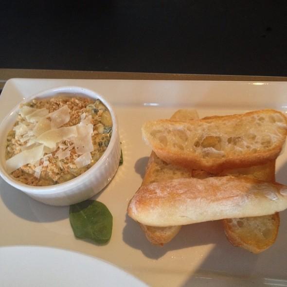 Spinach And Artichoke Dip - Zed's Restaurant, Austin, TX