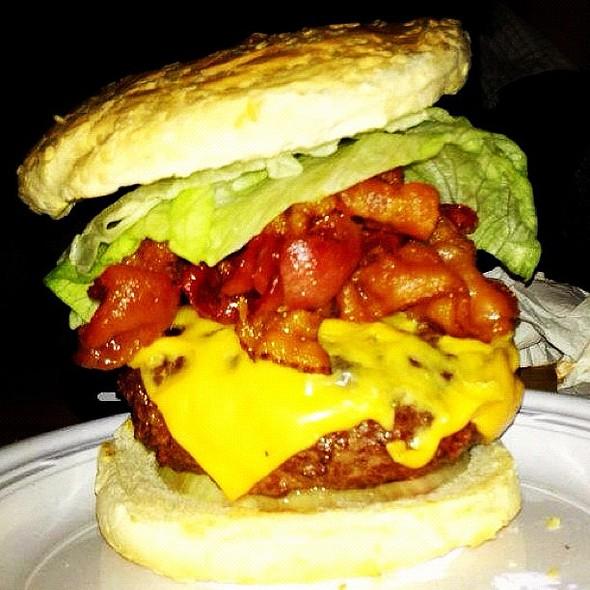 Bistro burgerweekly.com/corner-bistro