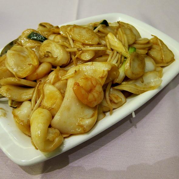 Seafood Shanghai Rice Cake @ Golden Lotus